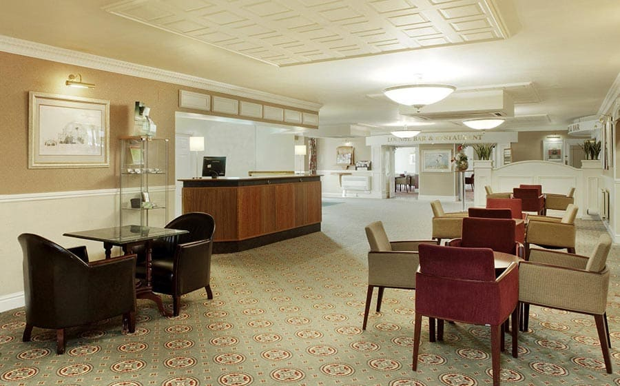 Lobby and reception at Citrus Hotel Coventry