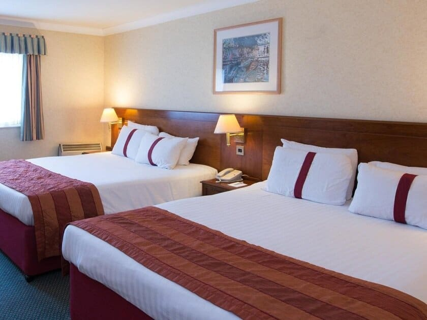 family room bed at Citrus Hotel Coventry